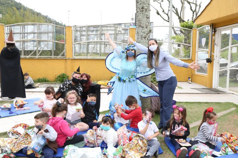 Ortoimagem doa mais de 500 brinquedos para alunos do CEI Bem-Me-Quer